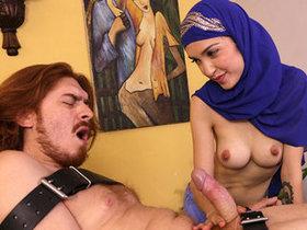 Jericha Jem: Arabian Hijab Handjob